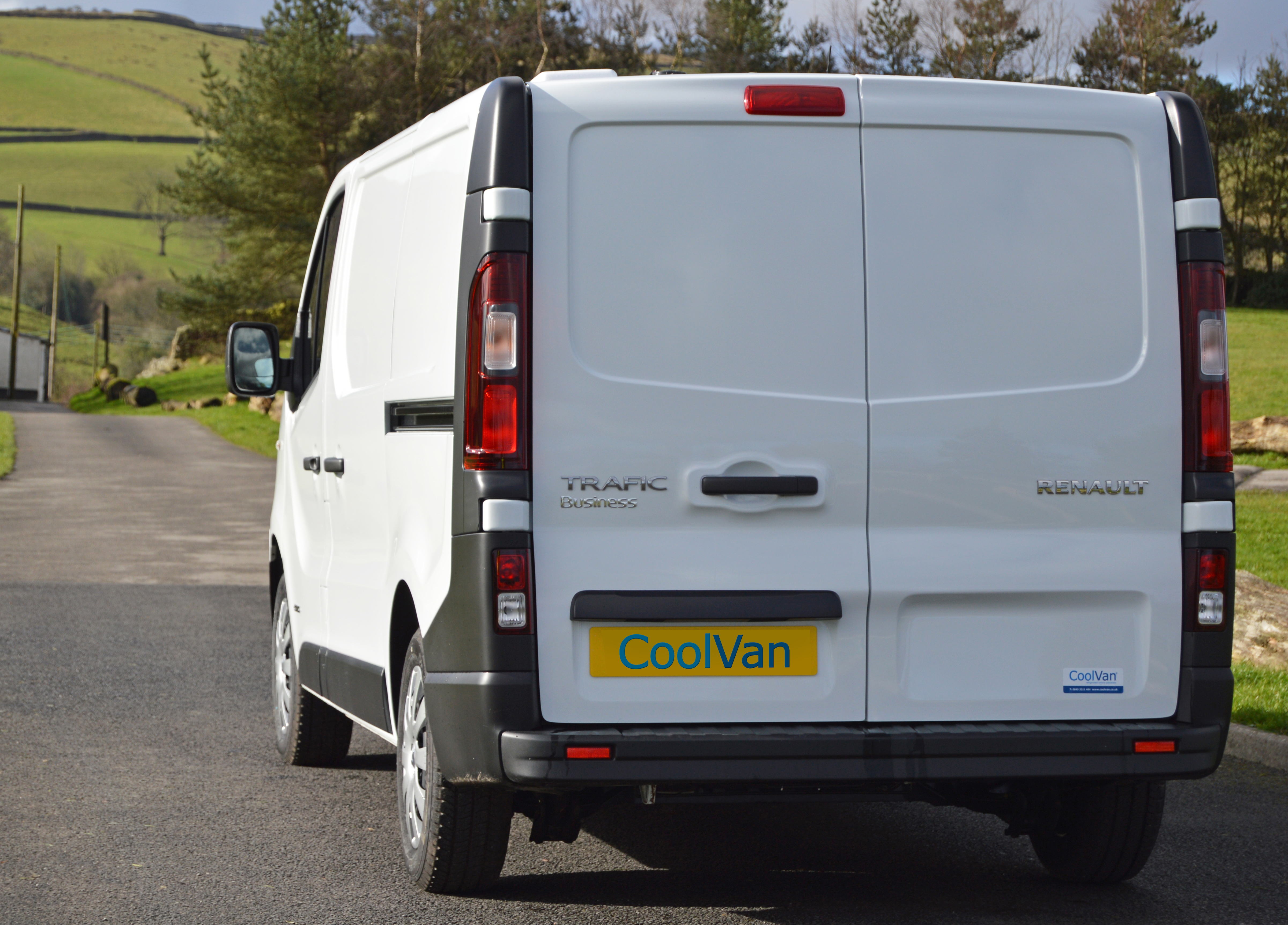 Renault Trafic Fridge Van Rear View